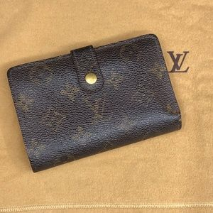 LV576  Monogram Kisslock Wallet